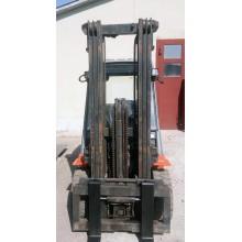 Вилочный погрузчик TOYOTA 62-7FDF30 2004 б/у